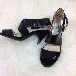Pre-owned Michael Kors black heels size 8